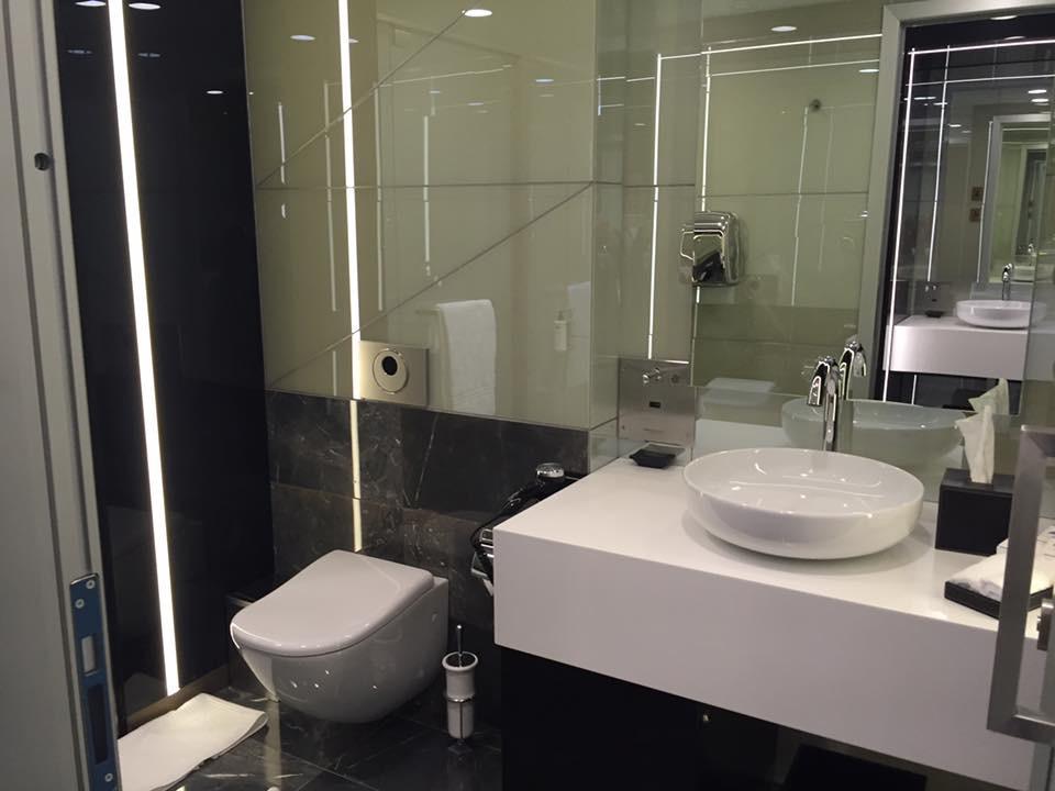 Bagno Di Casa Foto : Full italian style anche nei bagni di casa alitalia u italiavola
